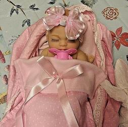 MICRO PREEMIE BABY GIRL   ANATOMICAL ALTERED TO  TAKE A PACI